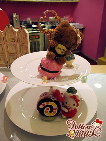 Dessert Display Plates on the Corner of Drink Bar (Ground Floor) (Hello Kitty Sweets Café)
