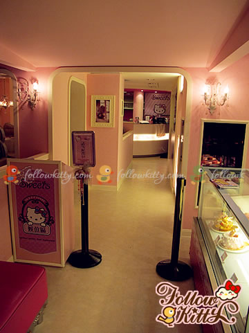 Entrance of Hello Kitty Café and Cake Display on the Right Side  (Hello Kitty Sweets Café)