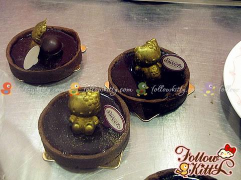 Finished Golden Hello Kitty Chocolate Tart (Hello Kitty Sweets Café)