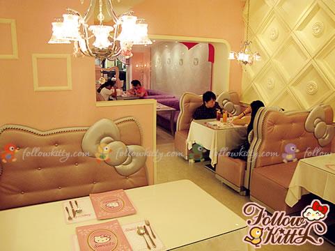 Cute Hello Kitty Booths on the Ground Floor (Hello Kitty Sweets Café)