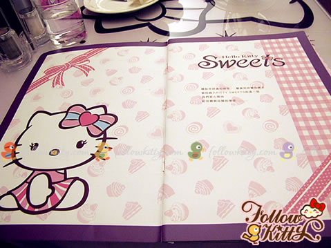 Kitty, Ribbons and Desert on the Menu (Hello Kitty Sweets Café)