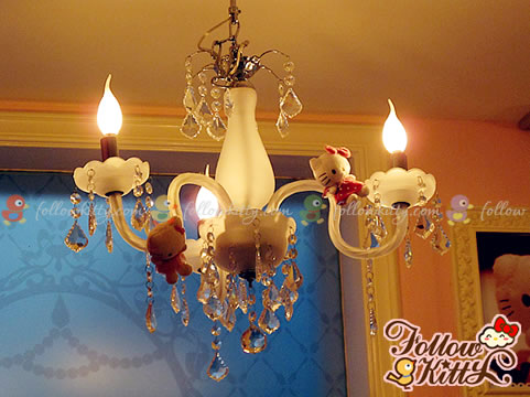 European Style Chandelier with Hello Kitty Decors (Hello Kitty Sweets Café)