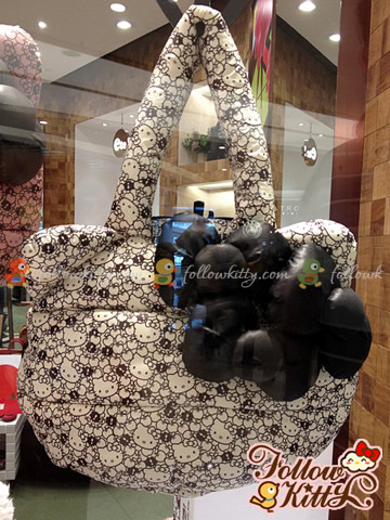 Hong Kong ete! x Hello Kitty handbag