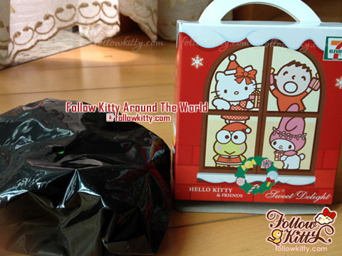7-Eleven Hello Kitty Sweet Delight Xmas Edition Hidden inside Black Plastic Bag