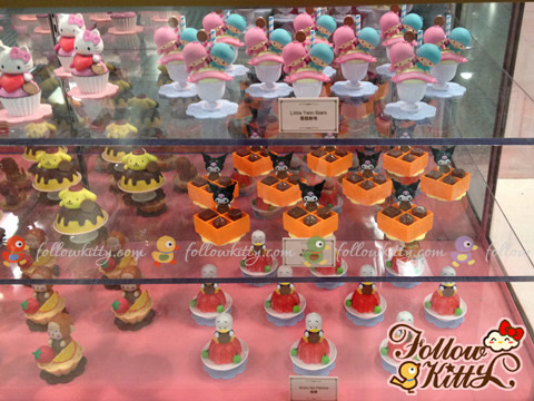 Desserts in 7-Eleven Hello Kitty & Friends Sweet Delight Display
