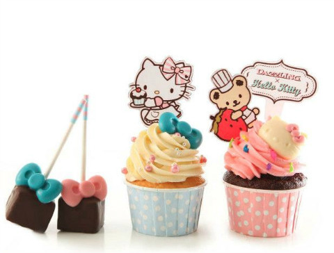 Cupcake and Lollipop from Dazzling Café x Hello Kitty