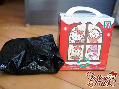 7-11 Hello Kitty Sweet Delight聖誕特別版的黑色塑膠袋