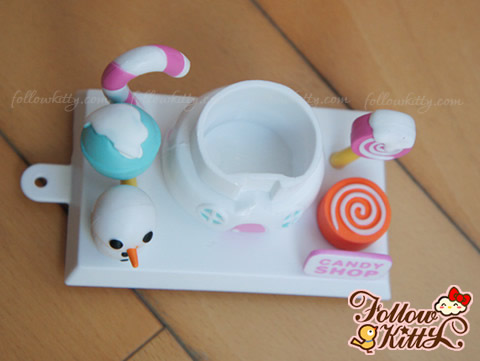 7-11 Hello Kitty Sweet Delight聖誕特別版的白雪糖果屋