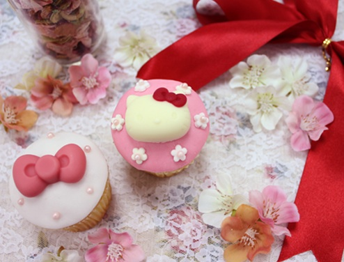 Cloudy x Hello Kitty Cupcakes - Wedding Cupcake