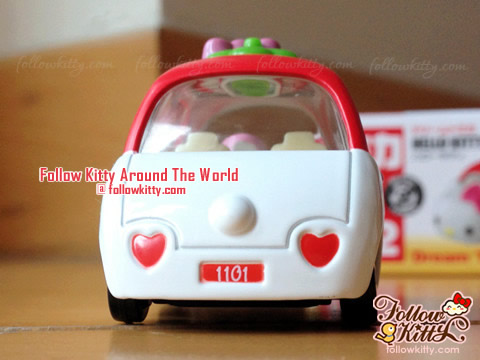 Rear of Dream Tomica Hello Kitty Car Model (No.152) (Japan TAKARA TOMY)