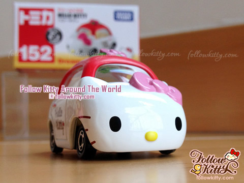 Dream Tomica Hello Kitty Car Model (No.152) (Japan TAKARA TOMY)