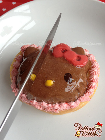 Mousse au Hello Kitty Chocolate from baby Mon cher Store
