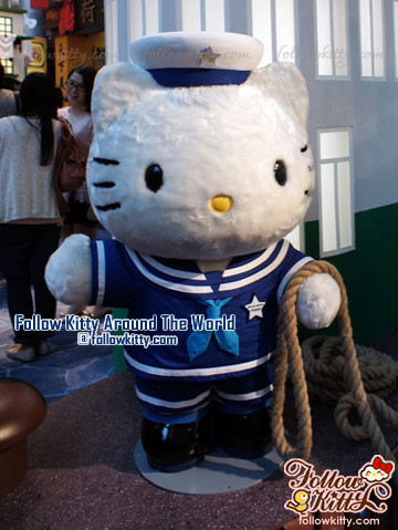 Hong Kong Star Ferry - The Kitty Ferry - Hello Kitty Back to 1960s in Langham Place