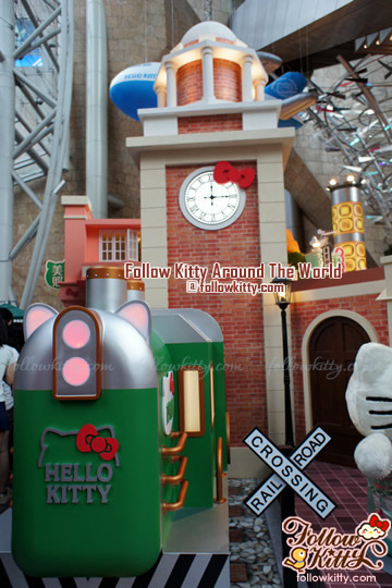 Hello Kitty x Hong Kong Kowloon Train Station and Clock Tower - Hello Kitty Back to 1960s in Langham Place