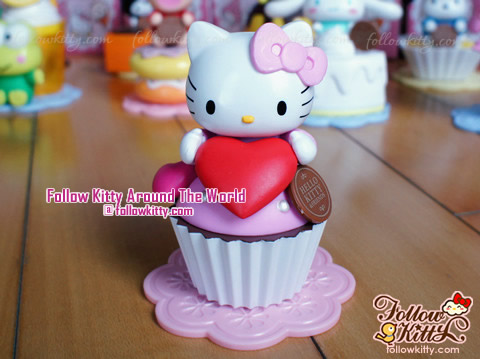 Hello Kitty Sweet Delight(第一期)﹣ Hello Kitty杯子蛋糕