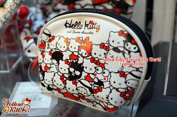 Hello Kitty and Sanrio Friends Hug Series - Cosmetics Pouch