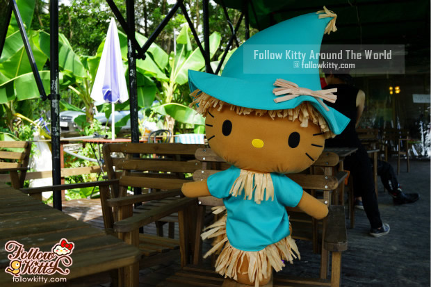 Hello Kitty有機薈低碳農莊門口的休息處