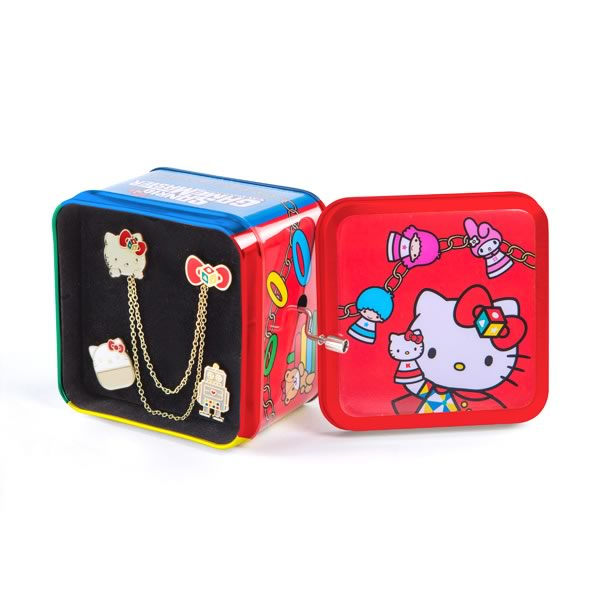 Hello Kitty Music Box with Pin Set
